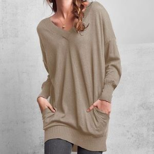 Victoria's Secret Vneck tunic sweater with pockets